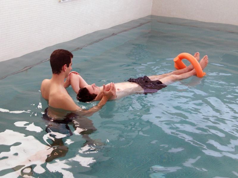 Beneficios del tratamiento en piscina, la hidroterapia